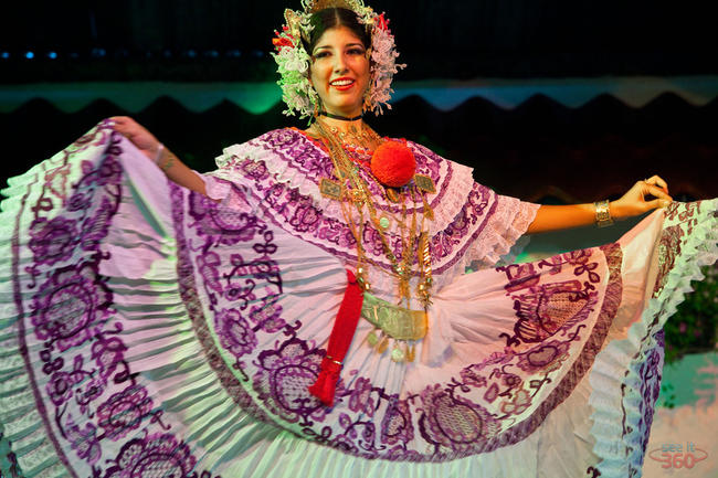"Women Dancing with ""La Pollera"", Panamanian Typical Dress"